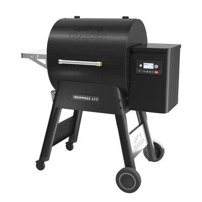 Traeger Ironwood 650 Wood Pellet WiFi Grill Black