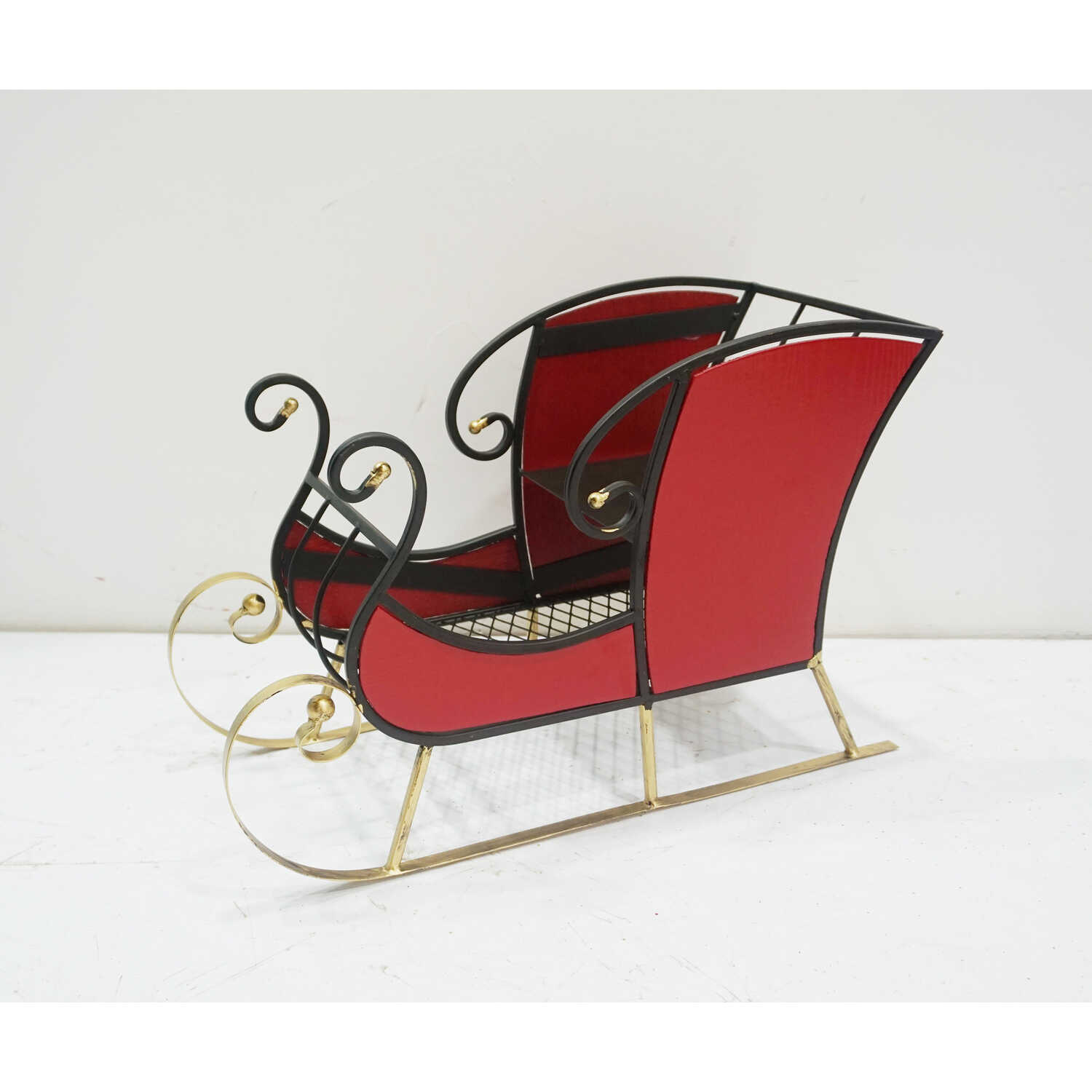 Sunset Vista  Table Top Sleigh  Christmas Decoration  Red  Metal  1 pk