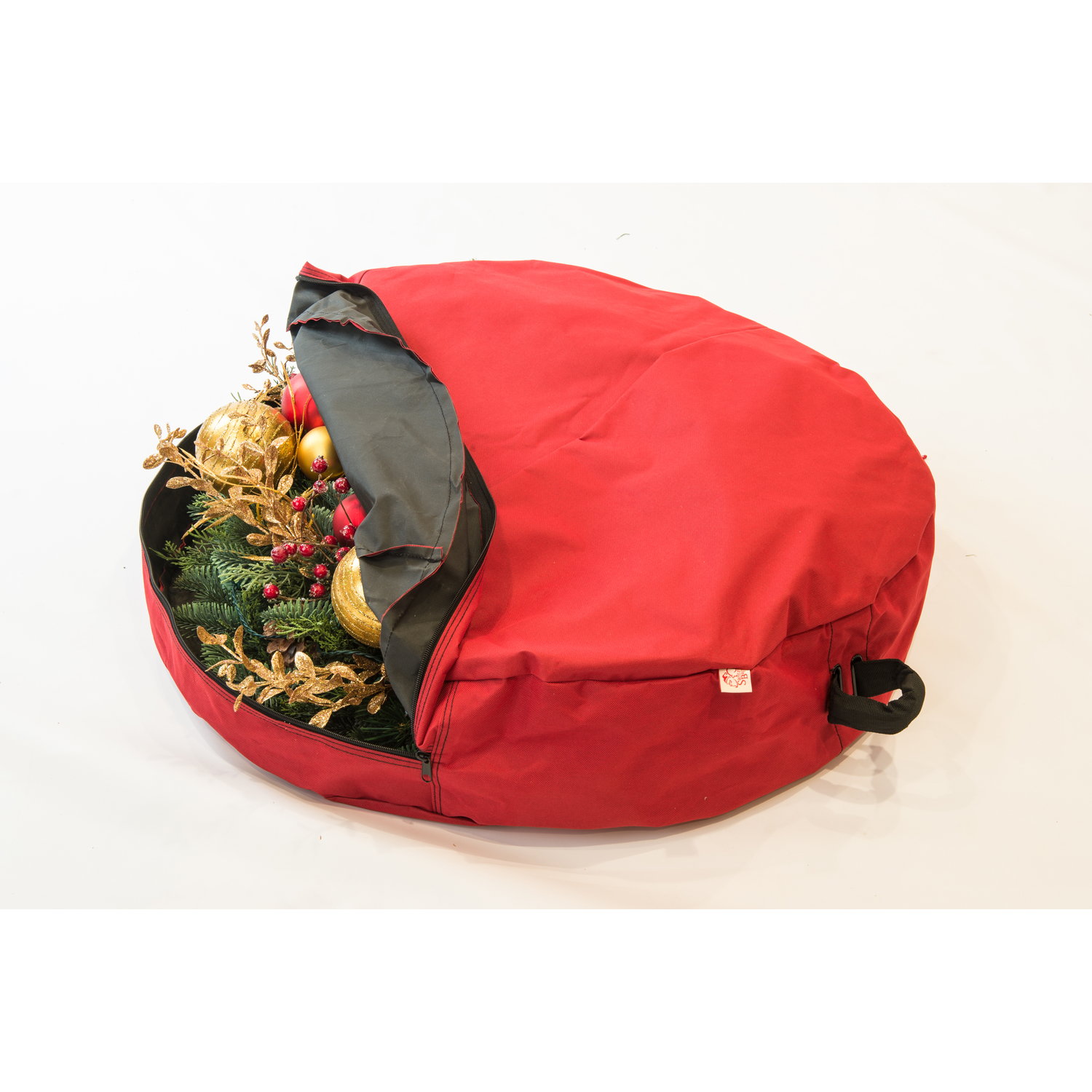 The 36 Basic Wreath Storage Bag w/Direct Suspend is a great way to hang your Christmas Wreath using hooks. The Direct Suspend handle connects to a hook inside the wreath bag which is then connected to the wire frame of your wreath.