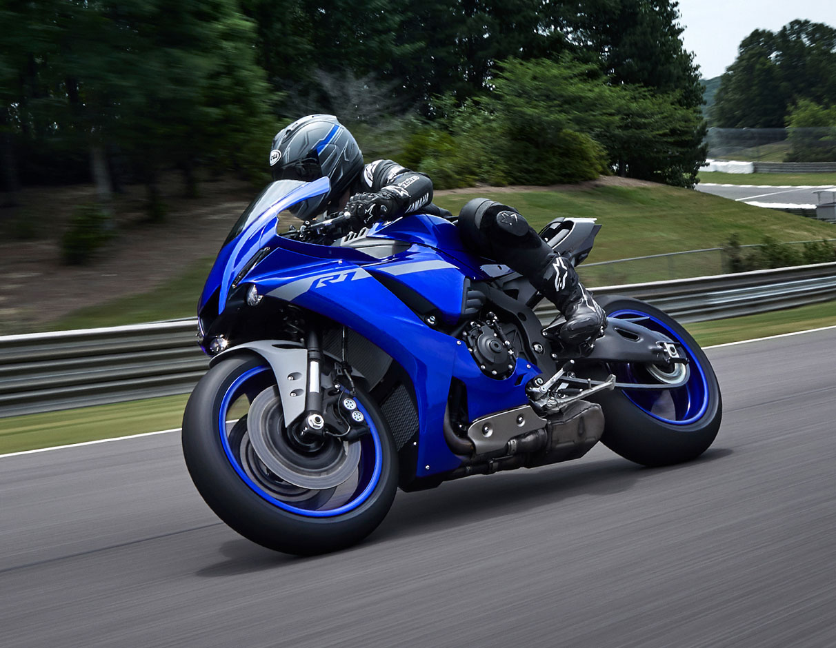 Action image of YZF-R1 2021